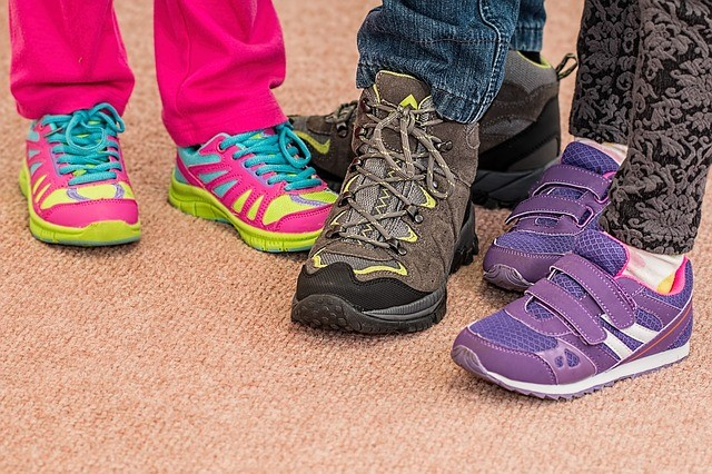 choosing well fitting shoes in children